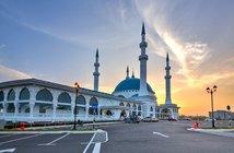Ijam Hairi / Shutterstock.com