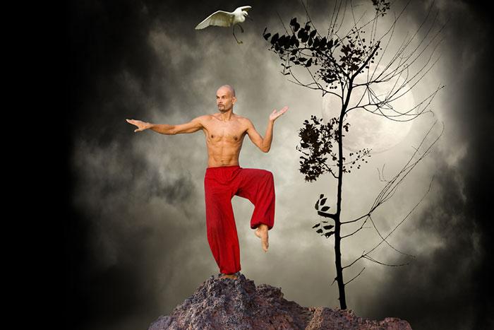 中国四千年の「腹芸」をとくと見よ…鉄の腹筋があればココまでできるぞ!