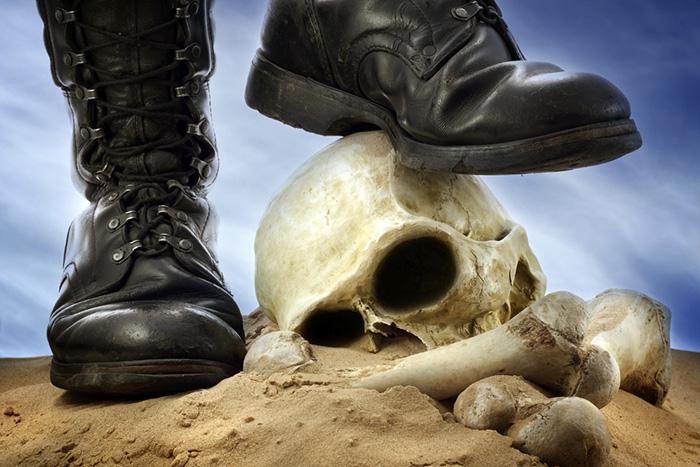 誰も止めはしない。株で人生逆転を狙うなら「死の商人」の上を行け=鈴木傾城