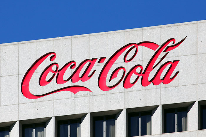 バフェットはなぜ高値を更新し続ける「1988年のコカ・コーラ株」を買えたのか?=東条雅彦