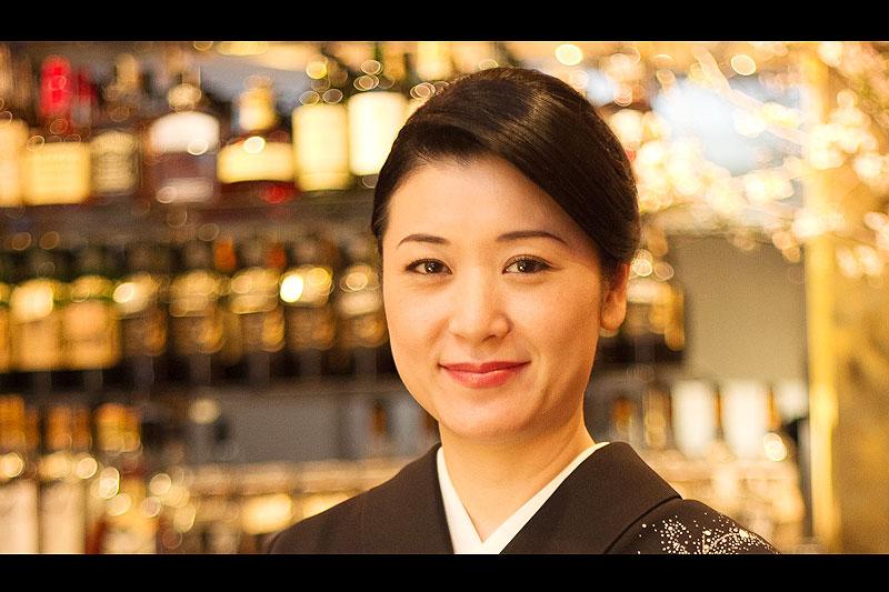 銀座の美人ママ・日高利美さんに聞く「失敗しない手土産」6つのポイント