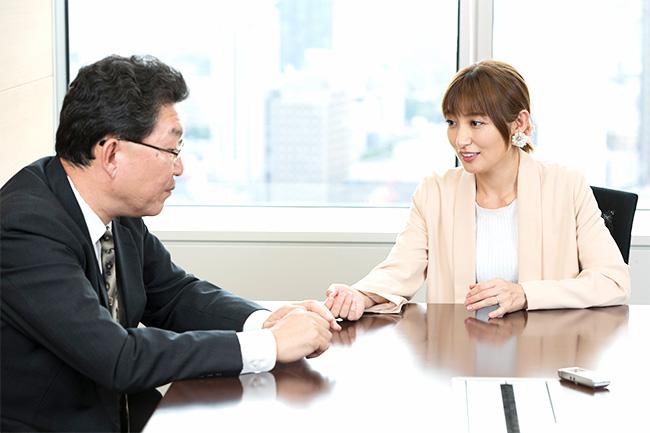 銀行員や証券マンが勧める商品に対しては「ノルマですよね」と懐疑的な熊田さん